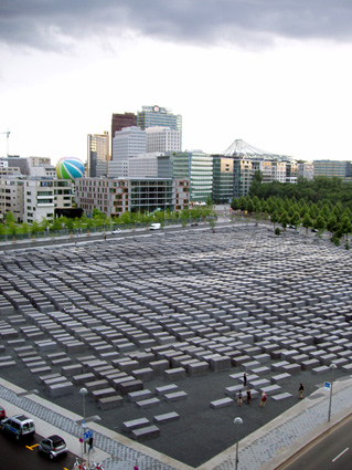 Eisenman Memorial in Berlin, View from the China Club, Foto (c) Frieder Schnock, Berlin